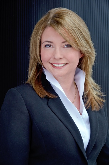 Melissa Featherston Lawyer Head Shot